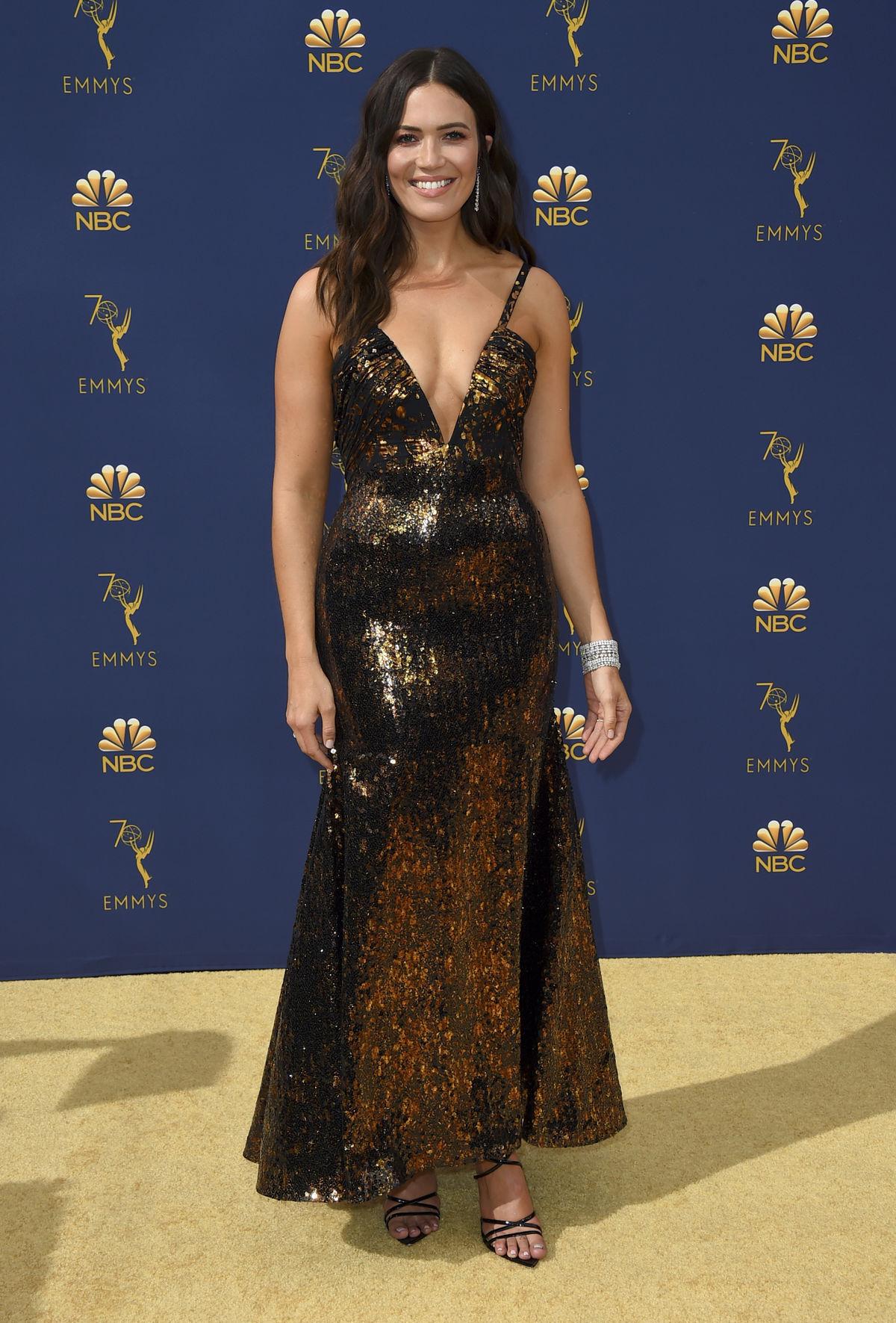 Herečka Mandy Moore v kreácii Rodarte.