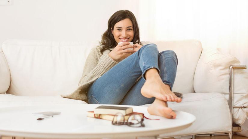 jeseň, žena, pohoda, úsmev, obývačka