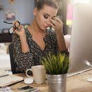 žena, nákup cez internet, notebook