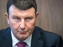 Šéf finančnej správy Imrecze rezignuje, Smer v ňom vidí potenciál