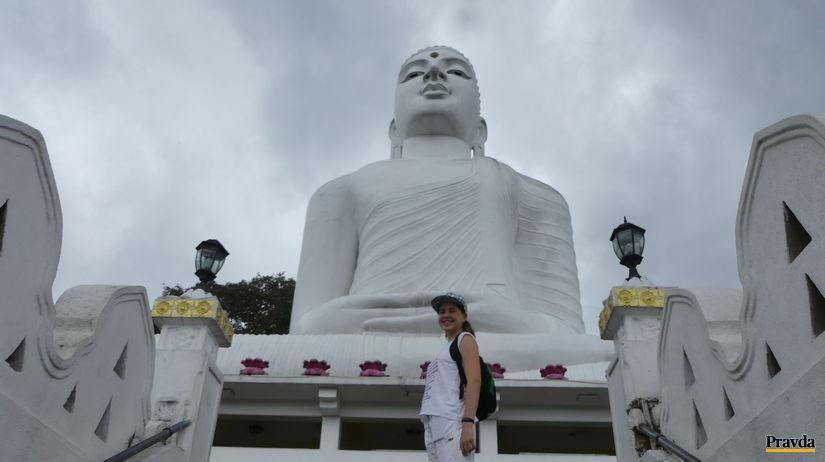 obrovsky Budha nad mestom Kandy