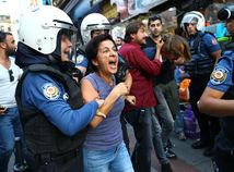Turecko Istanbul robotníci protest zatknutie polícia