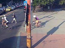 Muž napadol v Bratislave Iračanku s malými deťmi
