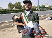 Vojenská prehliadka v Iráne sa zmenila na peklo: 24 mŕtvych a 53 zranených