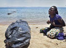 Tanzánia trajekt nehoda obete preživší