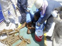 Indonézia mladík opustený more loď lampár Guam