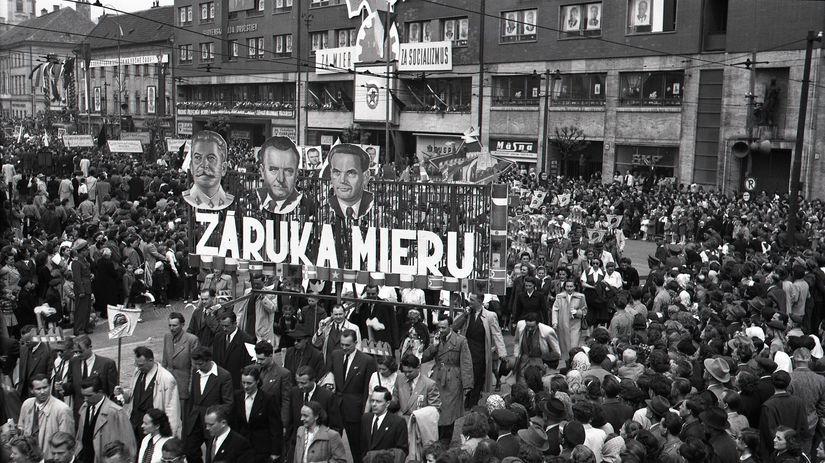 manifestácia, KSČ, Bratislava, 1951