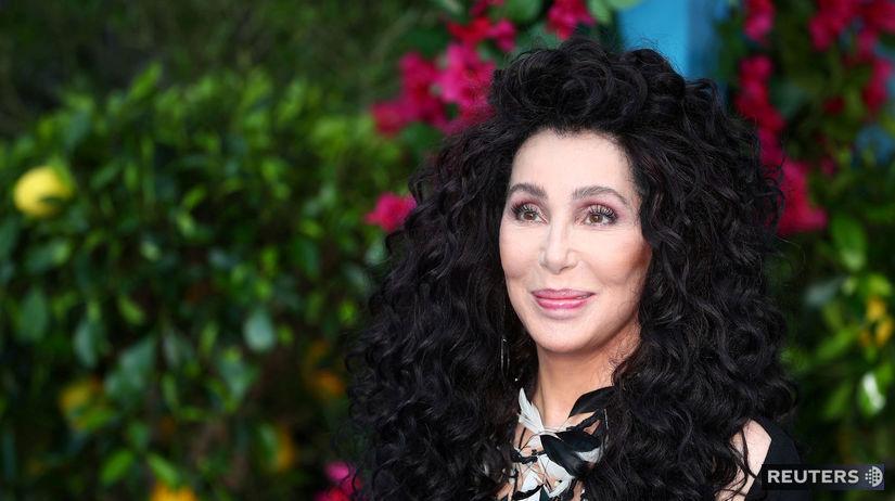 Speváčka Cher na archívnom zábere.