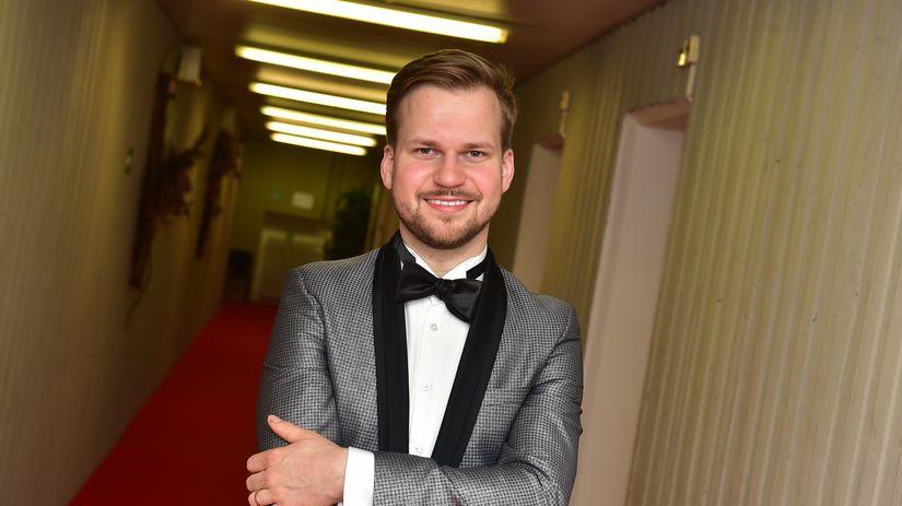 Spevák Martin Chodúr.
