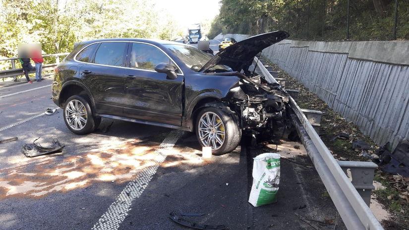 porsche nehoda auto