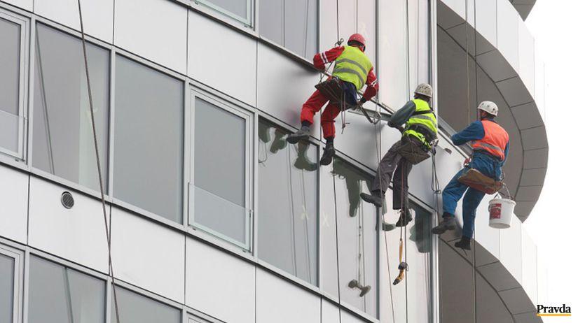 stavba,robotnici,tri veze