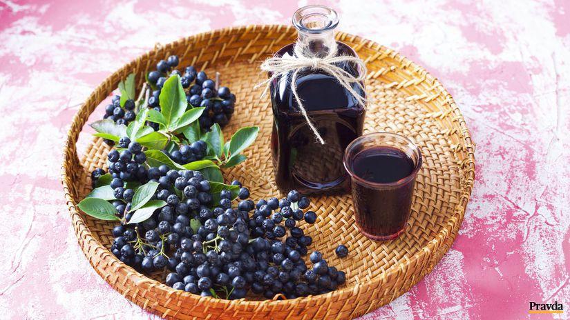 Likér z čiernej jarabiny