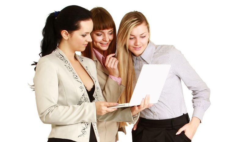hľadanie práce, inzerát, ženy, práca, kariéra