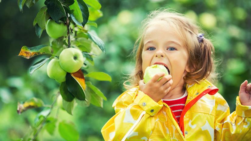 jablko, ovocie, dieťa, vitamíny, zdravá strava