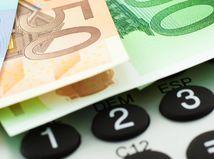 peniaze, bankovky, kalkulačka, plat