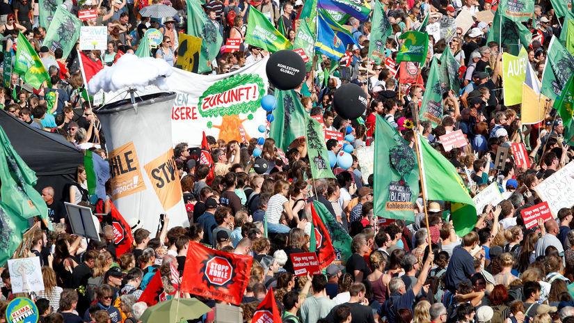 nemecko, protest, výrub lesa, ťažba uhlia