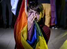 Rumunsko referendum homosexuálne manželstvo vlajka dúhová