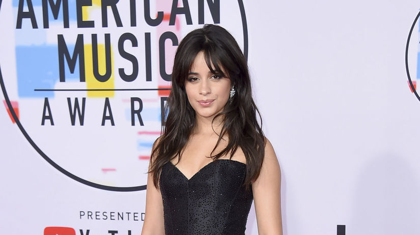 Speváčka Camila Cabellona vyhlásení cien...