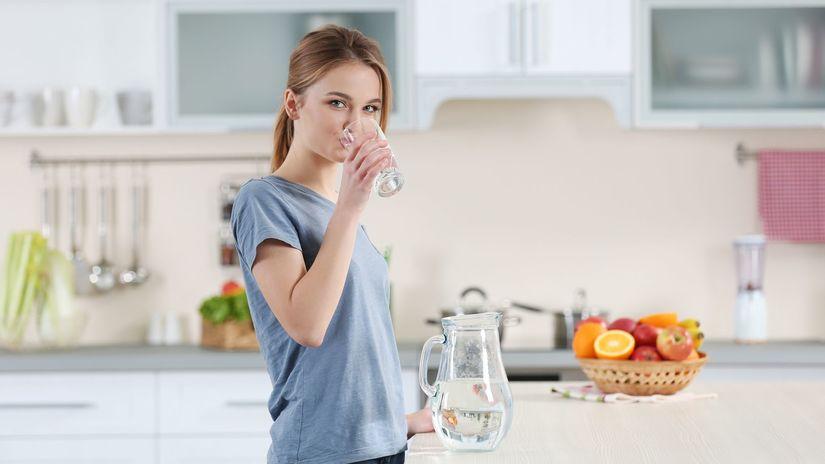Pitný režim, životný štýl, zdravá strava, zdravie