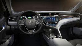 Toyota Camry - 2018