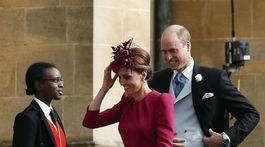 Britský princ William a Kate, vojvodkyňa z Cambridge prichádzajú na svadbu britskej princeznej Eugenie a jej dlhoročného priateľa Jacka Brooksbanka.