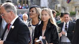 Topmodelka Kate Moss (v pozadí vľavo) a jej dcéra Lila Grace Moss Hack.a