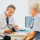 lekár, pacient, dôchodca, ambulancia