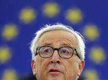 Juncker: Neprijať ani deti z radov migrantov je škandalózne