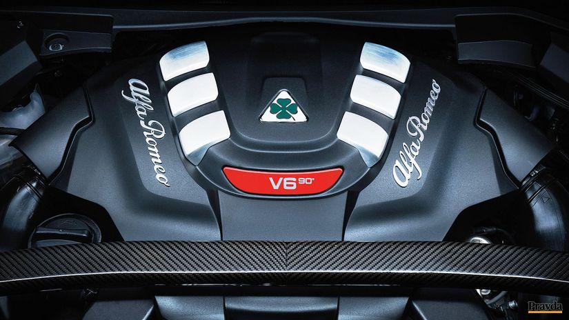 Alfa Romeo Stelvio - motor QV