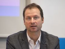 Gabriel Šípoš, Transparency international