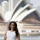 Vojvodkyňa Meghan v Austrálii odhalila obliny svojho bruška.