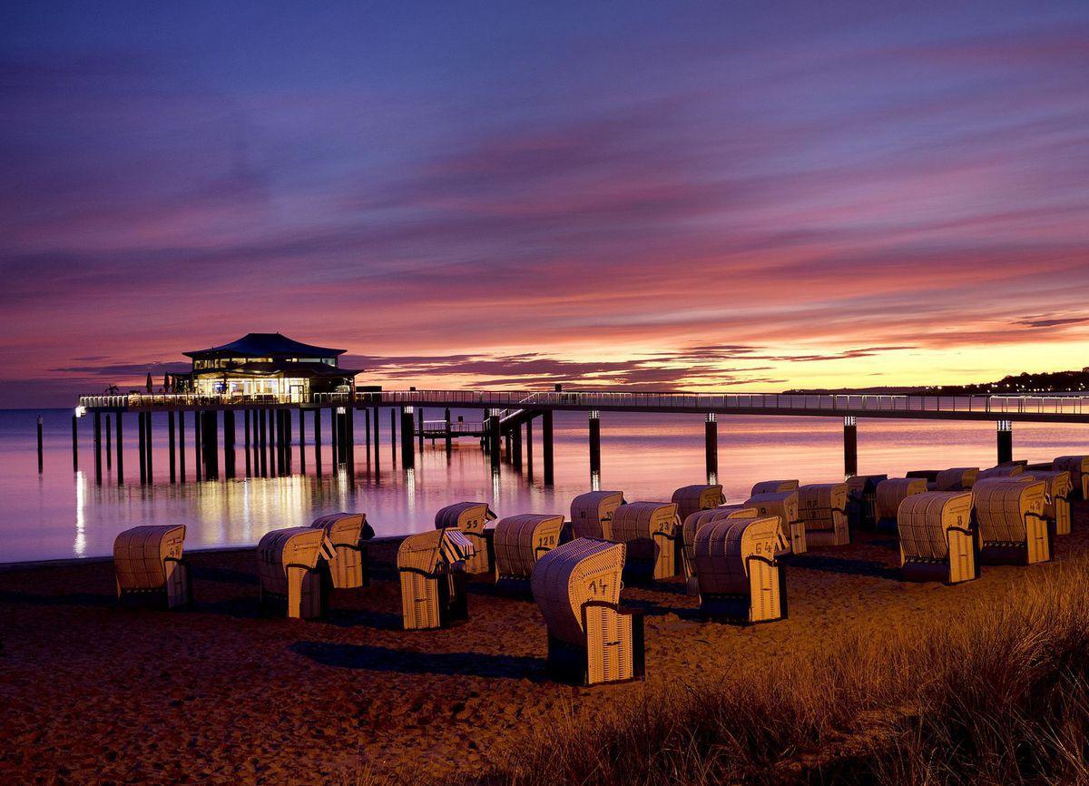 Nemecko, pláž, Baltské more, dovolenka, cestovanie, turizmus, reštaurácia