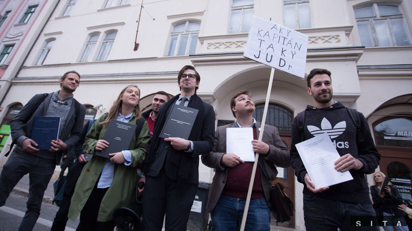 PROTEST: Andrej, ukហprácu