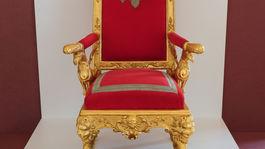 Zlatý vek Peterhofu, výstava, tron,
