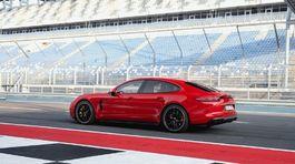Porsche-Panamera GTS-2019-1024-06