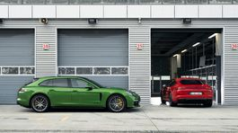 Porsche-Panamera GTS-2019-1024-0a