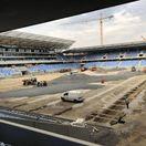 FOTO: Štadión bude čoskoro hotový. V Bratislave sa už pracuje na trávniku