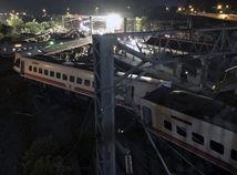 Taiwan vlak vykoľajenie mŕtvi ranení