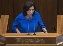 Ľudia 65+ môžu na vakcínu počkať, podľa poslankyne SaS netvoria ekonomické hodnoty