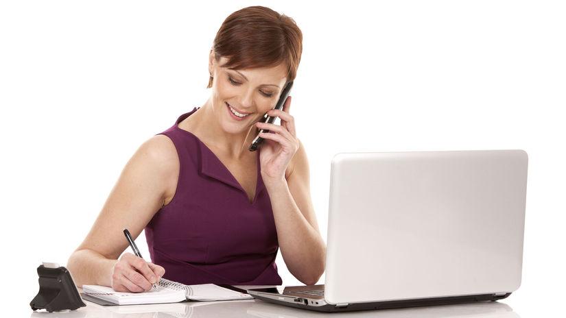 žena, telefonovanie, manažérka, práca