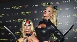"""Nicole """"Coco"""" Austin (vľavo) s modelkou Victoriou Silvstedt"""