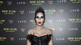 Televízna osobnosť Padma Lakshmi prišla ako postava baletky z filmu Čierna labuť.