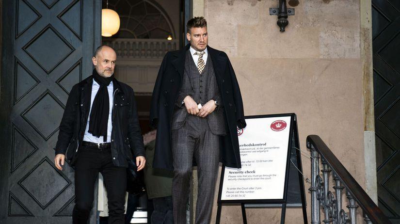 Dánsko Futbal Bendtner súd obvinenie taxikár...