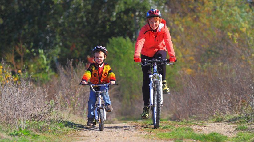bicykel, elektrobicykel, cyklistika, mama, syn,...