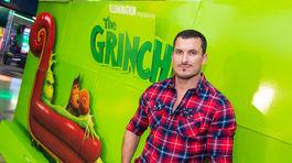Hlavnému hrdinovi Grinchovi prepožičal svoj hlas známy herec Ján Koleník.