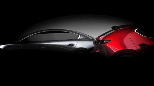 Mazda 3: Nová generácia láka na premiéru. Motor Skyactiv-X nespomína
