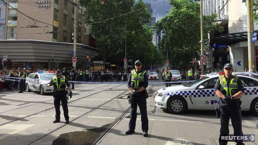 Austrália, Melbourne, ulica, policajti, pobodanie