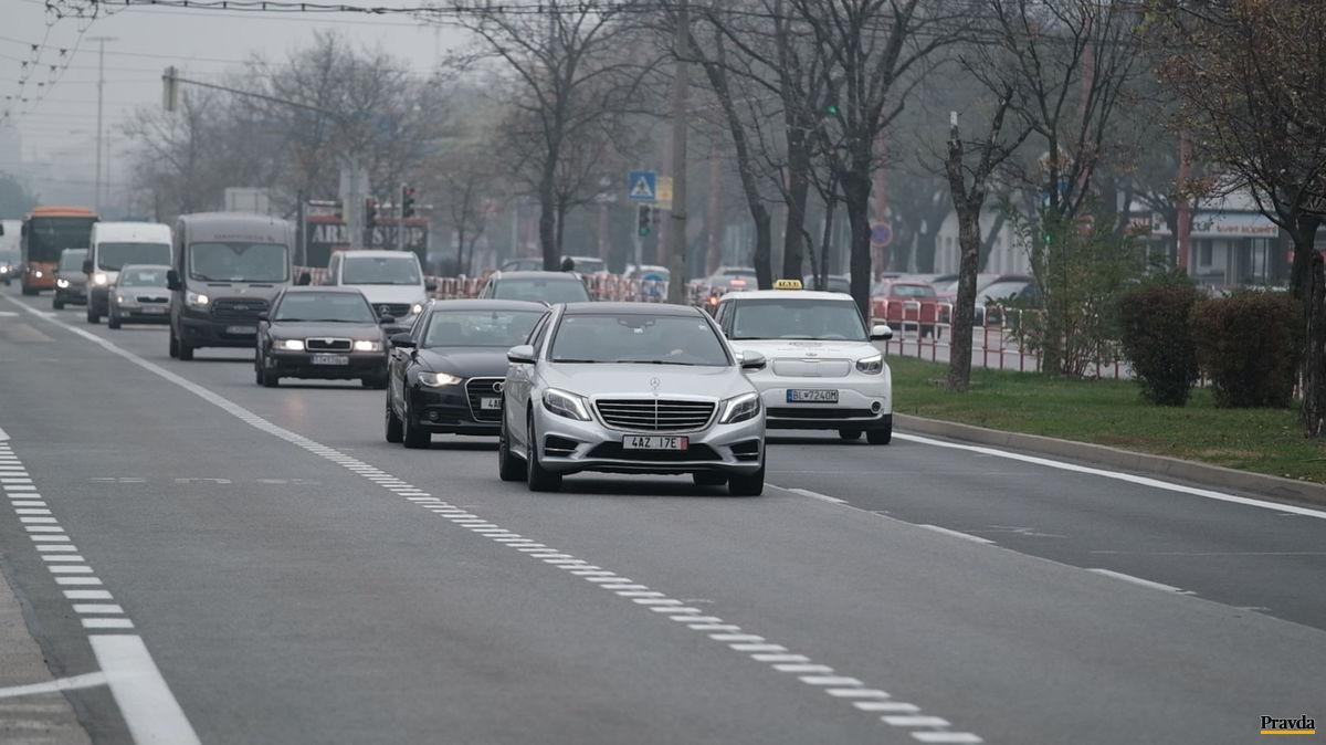 VIDEO  Vodiči nevedia používať moderné svetlá v hmle - Magazín ... e86b5e4364a