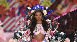 2018 Victoria's Secret Fashion Show - Jasmine Tookes