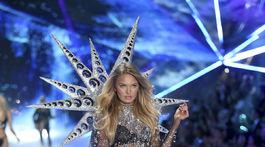 Modelka Romee Strijd na prehliadke Victoria's Secret Fashion Show.